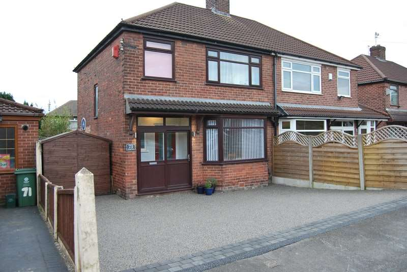 3 Bedrooms Semi Detached House for sale in Mough Lane, Oldham, Greater Manchester, OL9