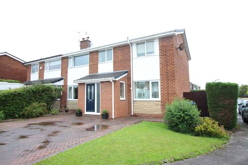4 Bedrooms Semi Detached House for sale in Fernview Drive, Holcombe Brook, Bury, BL0