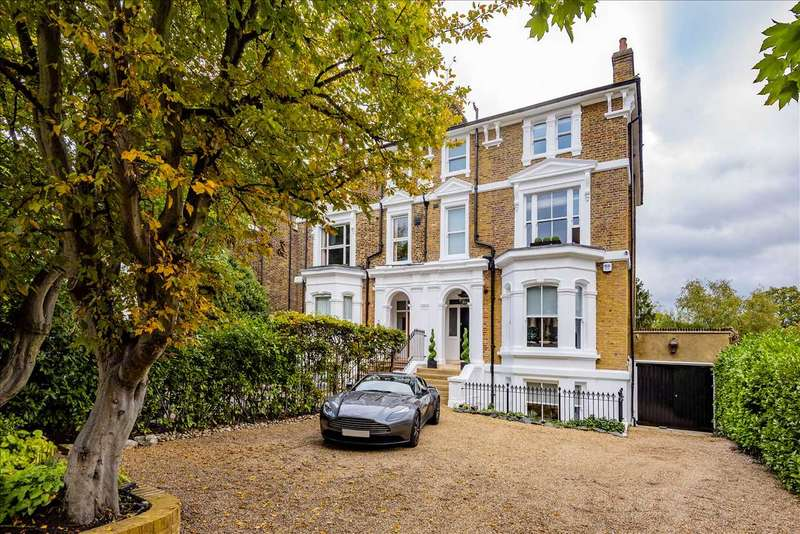 4 Bedrooms Semi Detached House for sale in High Road, Buckhurst Hill, IG9