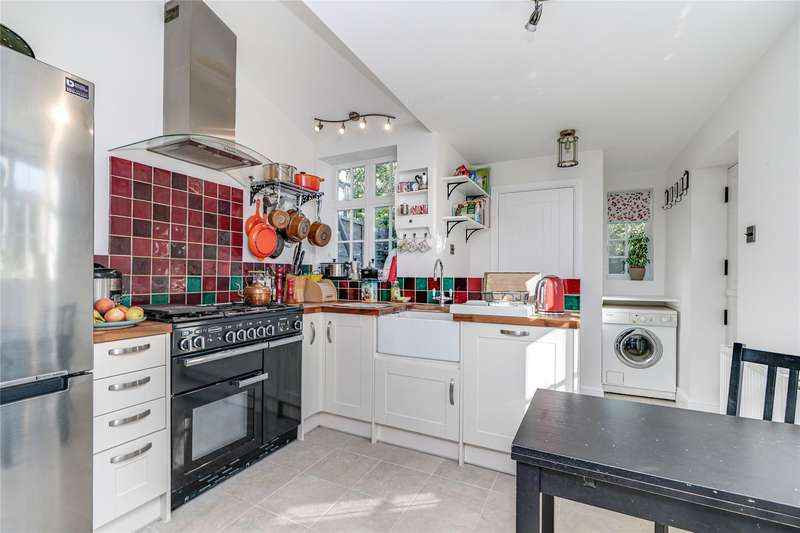 3 Bedrooms End Of Terrace House for sale in School Road, East Molesey, Surrey, KT8
