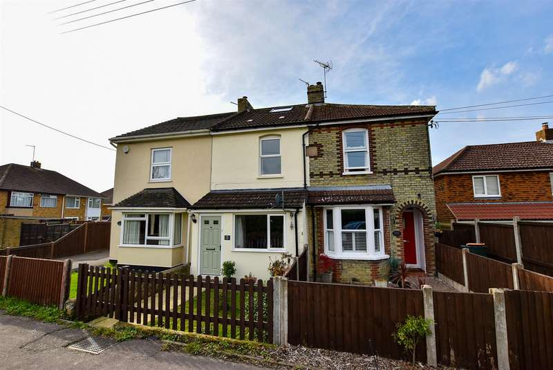 4 Bedrooms Terraced House for sale in Rochester Road, Burham