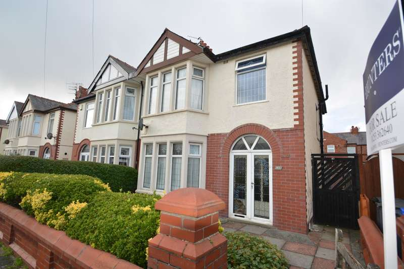 3 Bedrooms Semi Detached House for sale in Cornwall Avenue, Blackpool, FY2 9QL