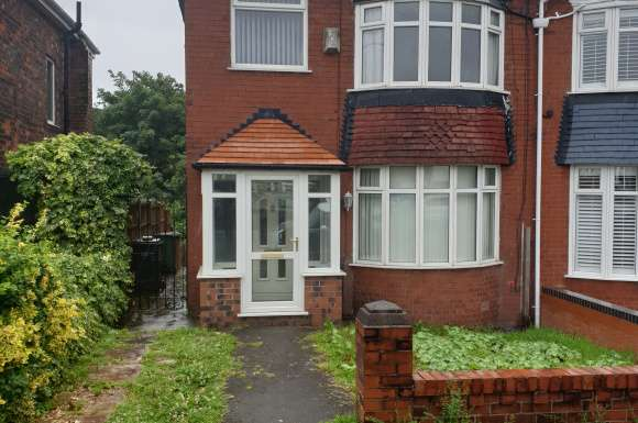 3 Bedrooms Detached House for sale in Lord Lane, Failsworth, Manchester