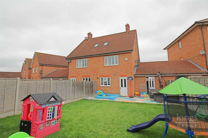 3 Bedrooms Semi Detached House for sale in Malkin Drive, Church Langley