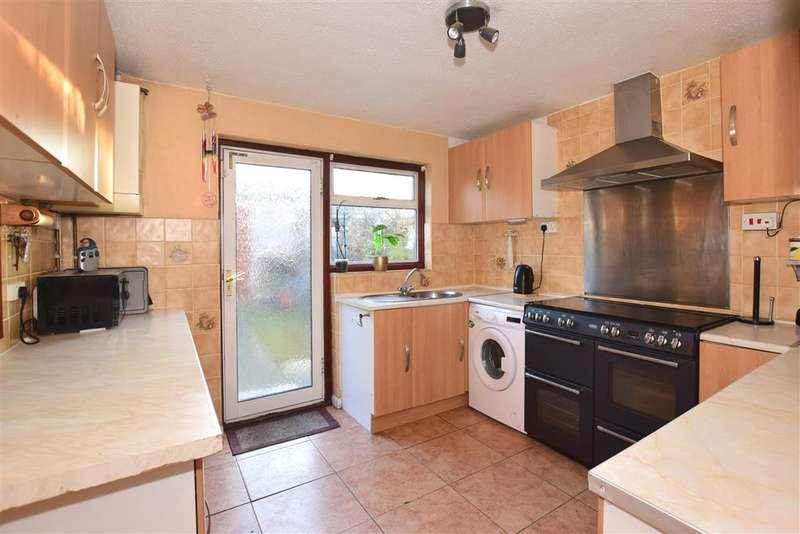 3 Bedrooms Terraced House for sale in Mackenzie Way, , Gravesend, Kent