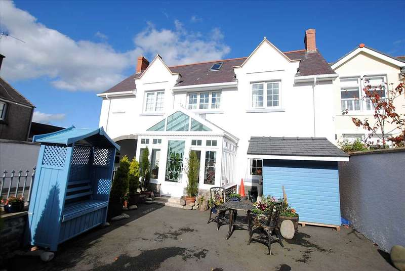 3 Bedrooms Semi Detached House for sale in River View, East Back, Pembroke