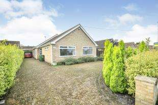 3 Bedrooms Bungalow for sale in St Nicholas Road, Littlestone, New Romney, Kent