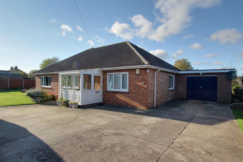 4 Bedrooms Detached Bungalow for sale in Holywell Road, Alford