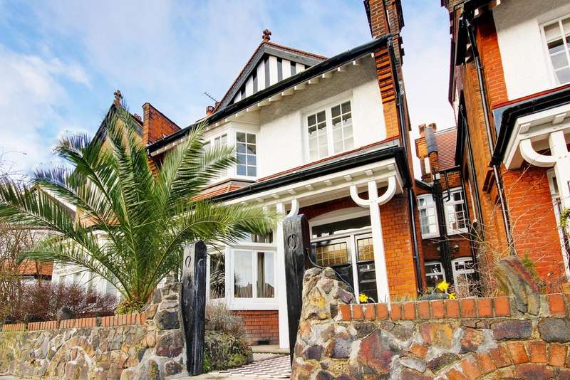 5 Bedrooms Semi Detached House for sale in Woodberry Crescent, Muswell Hill