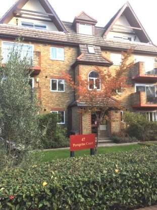 Penthouse Flat for sale in Peregrine Court, Beckenham, Kent, BR3 5HL