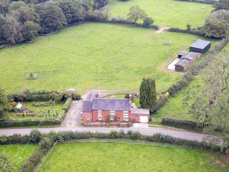 3 Bedrooms Property for sale in Oak Farm, Coton Hayes, Milwich, Staffordshire