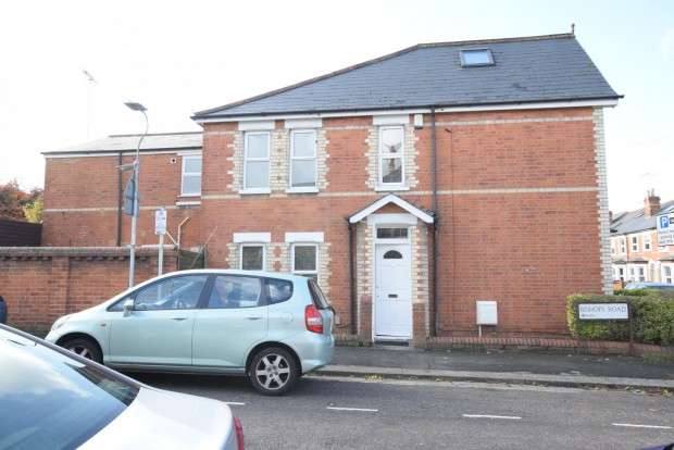 4 Bedrooms Terraced House for rent in Grange Avenue, Reading, RG6
