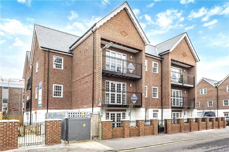 2 Bedrooms Apartment Flat for sale in Church Road, Fleet, GU51