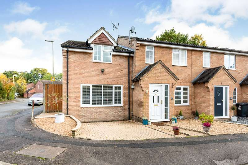 4 Bedrooms Semi Detached House for sale in Mulberry Way, Chineham, Basingstoke, Hampshire, RG24