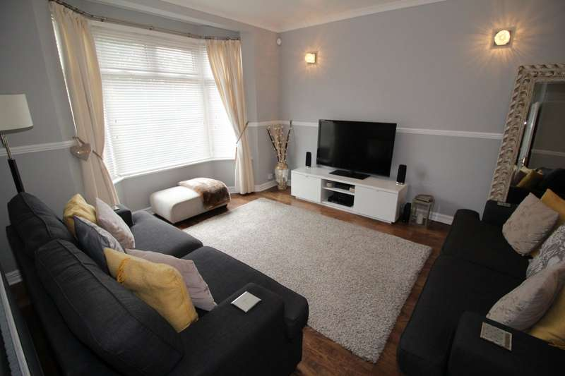 3 Bedrooms House for sale in Gouge Avenue, Northfleet, Gravesend, Kent, DA11