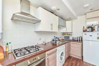 3 Bedrooms Flat for sale in Hulton Street, Salford, Greater Manchester, Salford