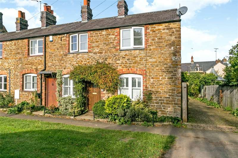 3 Bedrooms Terraced House for sale in High Street, Middleton Cheney, Banbury, Northamptonshire, OX17