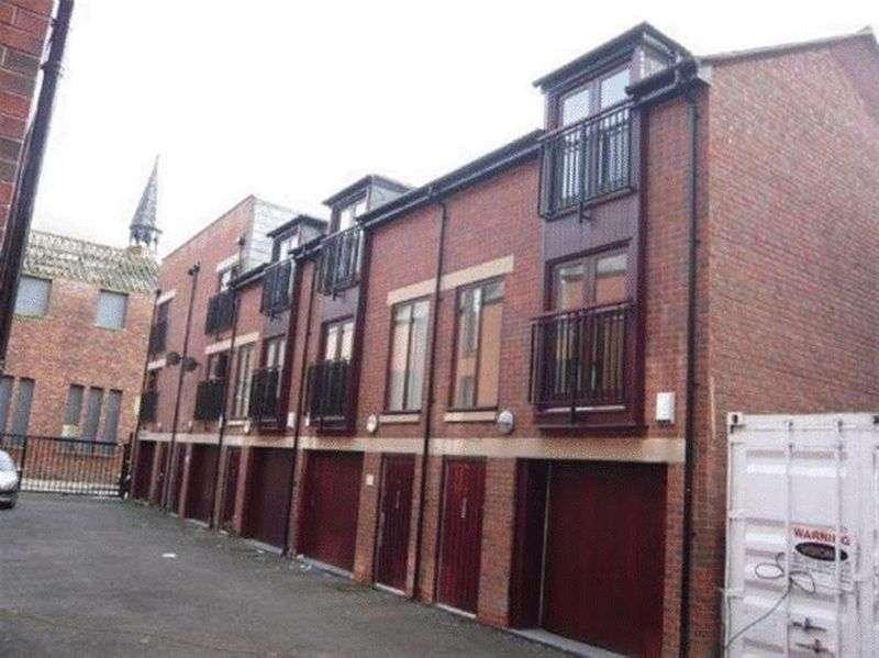3 Bedrooms Property for rent in Upper Hampton Street, Liverpool L8