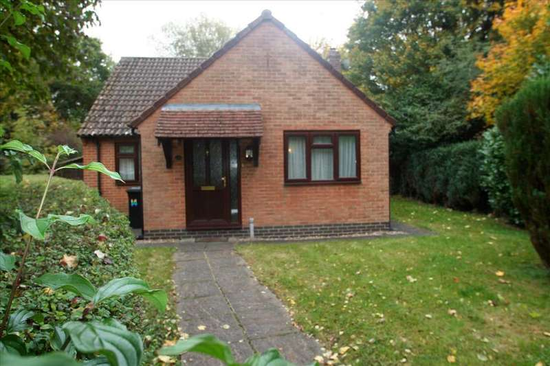 2 Bedrooms Detached Bungalow for sale in Lychpit, Basingstoke, Hampshire