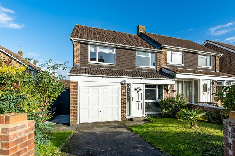 3 Bedrooms Semi Detached House for sale in Reeves Way, Bursledon, Southampton, Hampshire. SO31 8FU