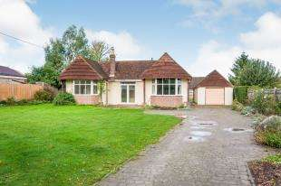 3 Bedrooms Bungalow for sale in Gote Lane, Ringmer, Lewes, East Sussex