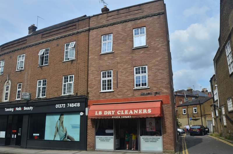 2 Bedrooms Flat for rent in Church St, Epsom, , KT17 4PF