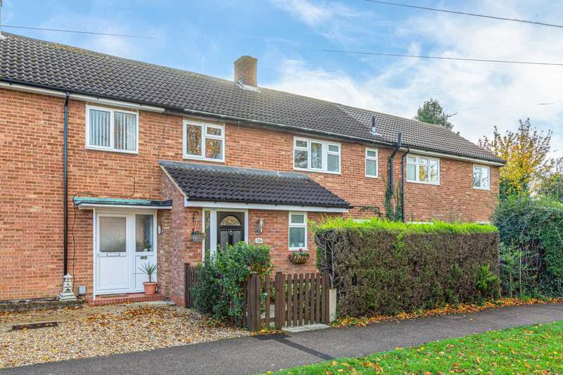 3 Bedrooms Terraced House for sale in Crossleys, Letchworth Garden City, SG6 4PU