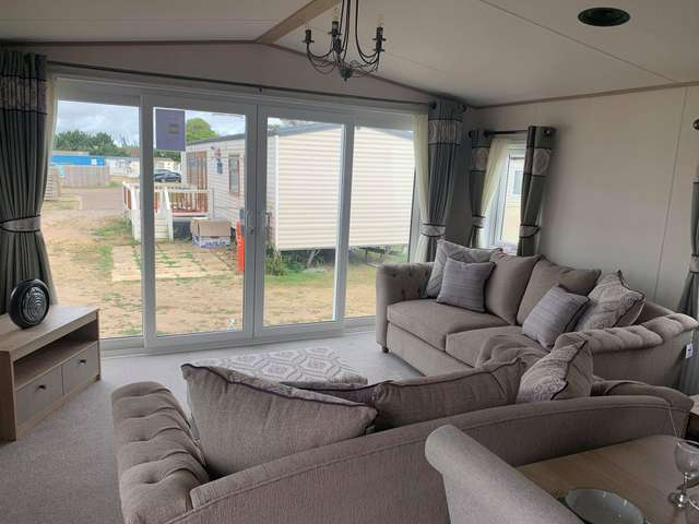 2 Bedrooms Lodge Character Property for sale in Suffolk Sands, Felixstowe