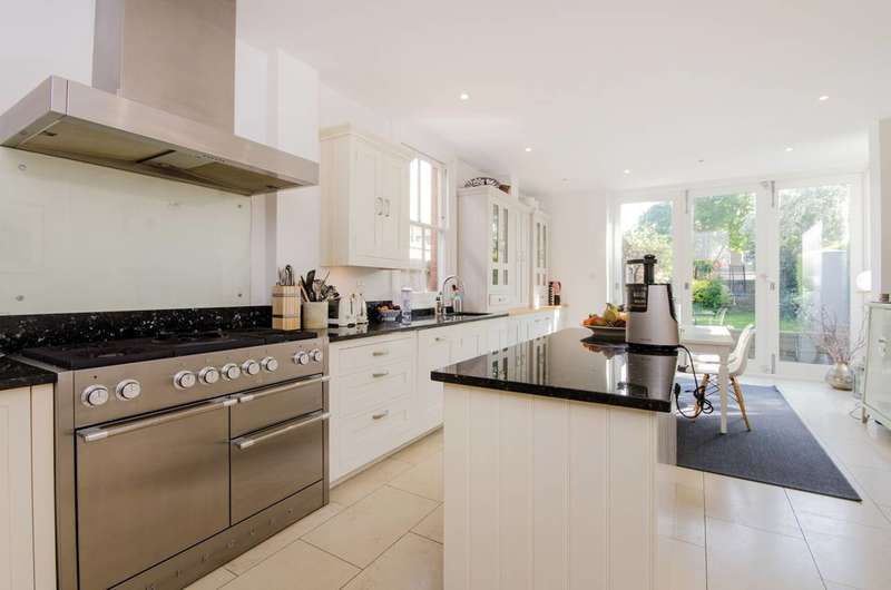 5 Bedrooms House for rent in Merton Hall Road, Wimbledon, SW19