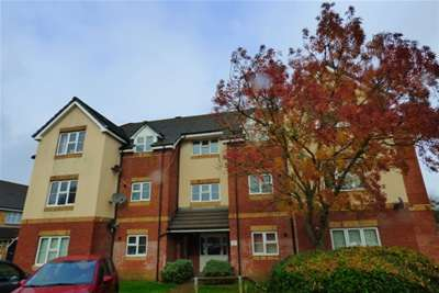 2 Bedrooms Flat for rent in Parkstone