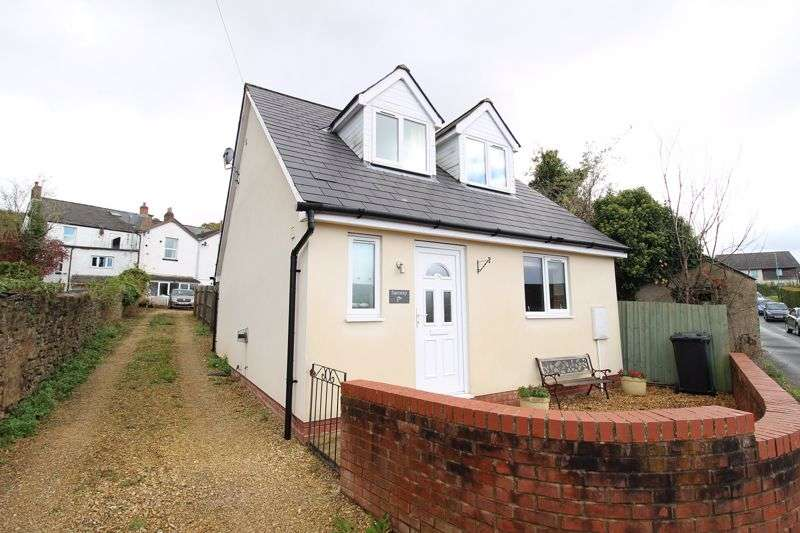 2 Bedrooms Property for sale in Elmdean, Cinderford