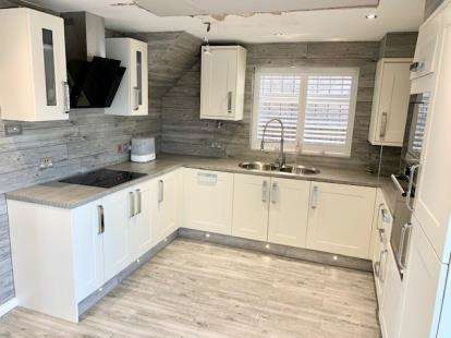 3 Bedrooms Detached House for sale in Woodman Close, Leighton Buzzard, Beds, Bedfordshire