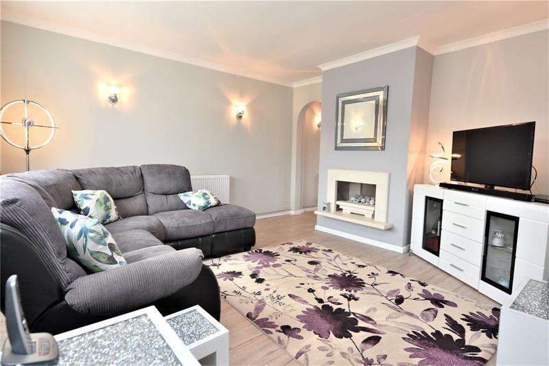 3 Bedrooms Terraced House for sale in Blyth Avenue, Shoeburyness, Essex, SS3