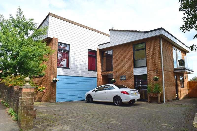 4 Bedrooms Detached House for sale in The Mall, Brading, Isle of Wight, PO36 0BS