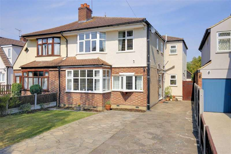 3 Bedrooms Semi Detached House for sale in Morgan Crescent, Theydon Bois