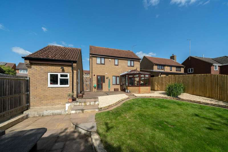 3 Bedrooms House for sale in The Foxgloves, Chaulden Vale