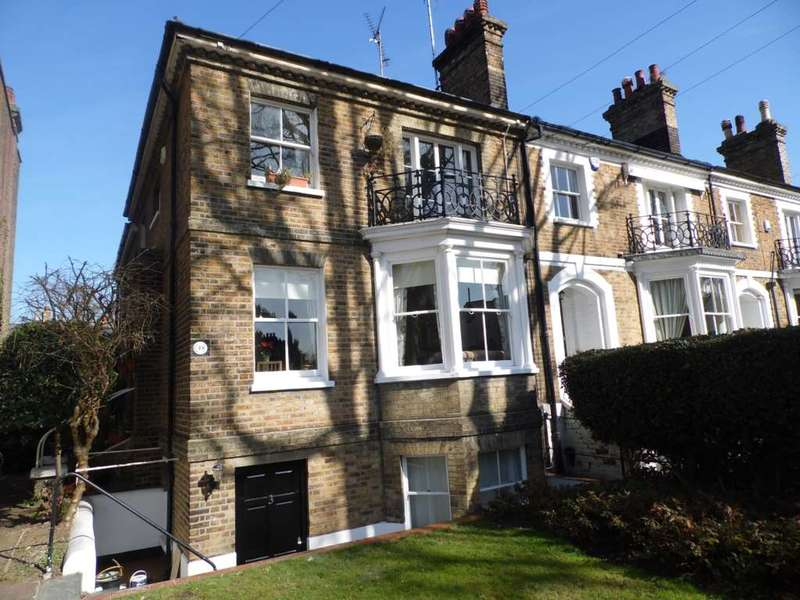 2 Bedrooms Flat for rent in Cambridge Road, Southend On Sea