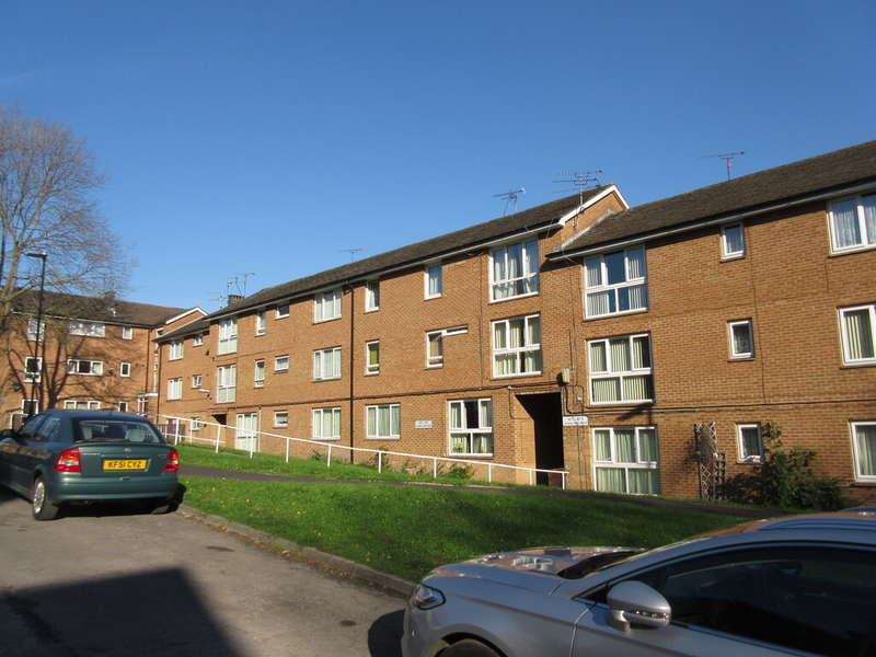 2 Bedrooms Flat for rent in Longley Hall Road