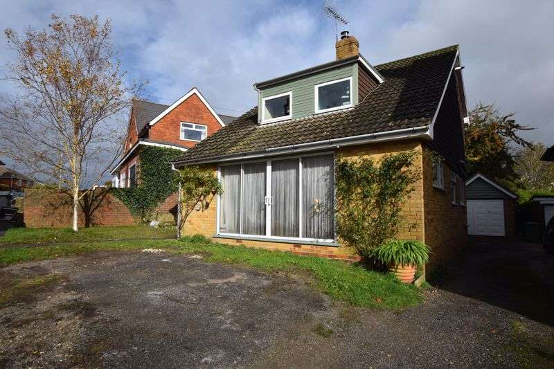 4 Bedrooms Property for sale in Queens Road, Alton