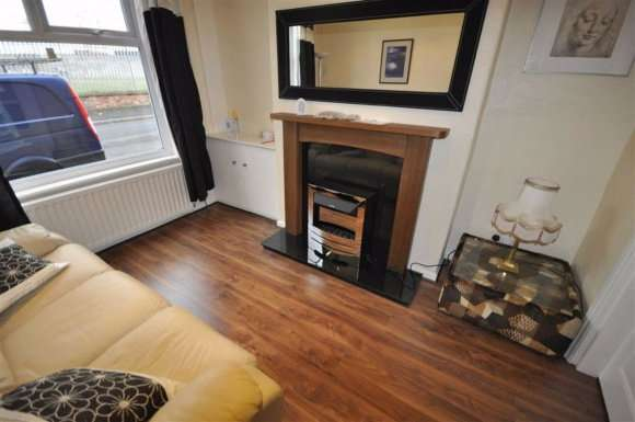 3 Bedrooms Terraced House for rent in Broxton Street, Manchester