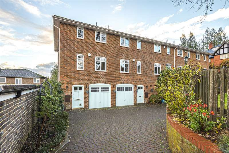 3 Bedrooms End Of Terrace House for sale in Barton Court, Knight Close, Winchester, Hampshire, SO23