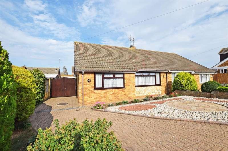 2 Bedrooms Semi Detached Bungalow for sale in Cooden Close, Rainham, Gillingham