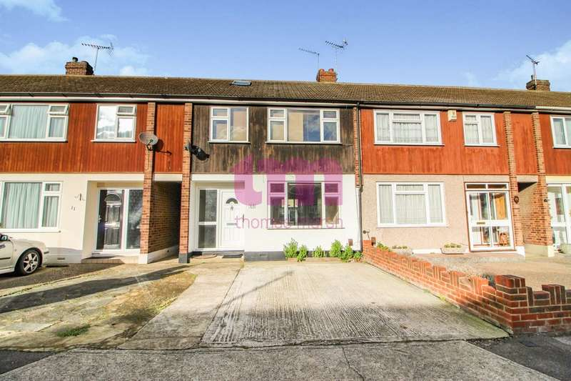 3 Bedrooms Terraced House for rent in Rushdon Close, Grays