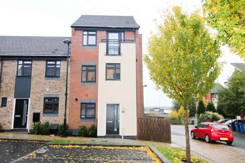 4 Bedrooms Semi Detached House for rent in Regal Way, Hanley, Stoke-on-Trent, ST1