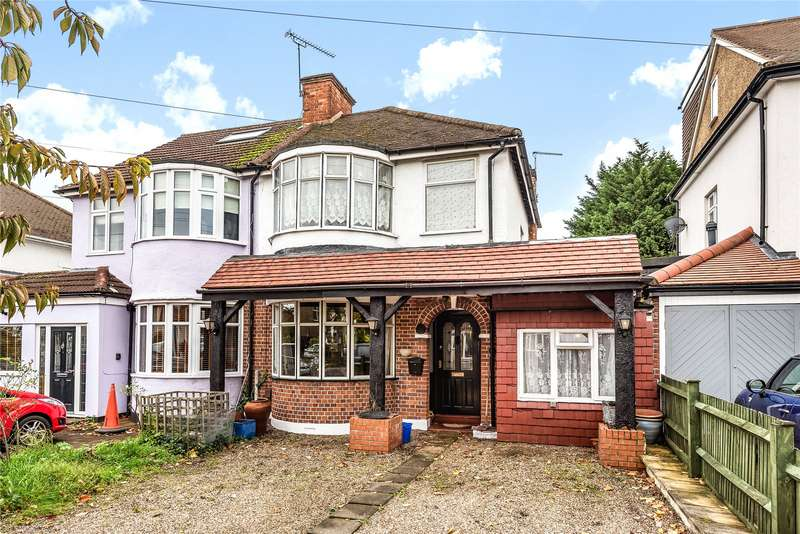 3 Bedrooms Semi Detached House for sale in Hillyfields, Loughton, Essex, IG10