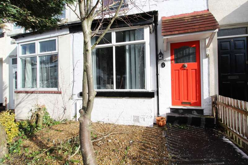 2 Bedrooms Terraced House for rent in Princess Road, Manchester