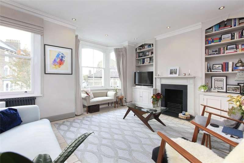 3 Bedrooms Flat for sale in Plough Road, Battersea, London, SW11