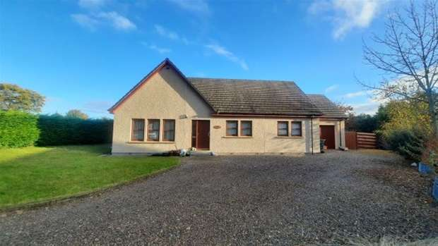 3 Bedrooms Detached Bungalow for rent in Robertson Way, Nether Dallachy, Fochabers