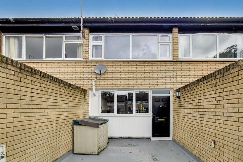 6 Bedrooms House for rent in Barchester Close, Uxbridge