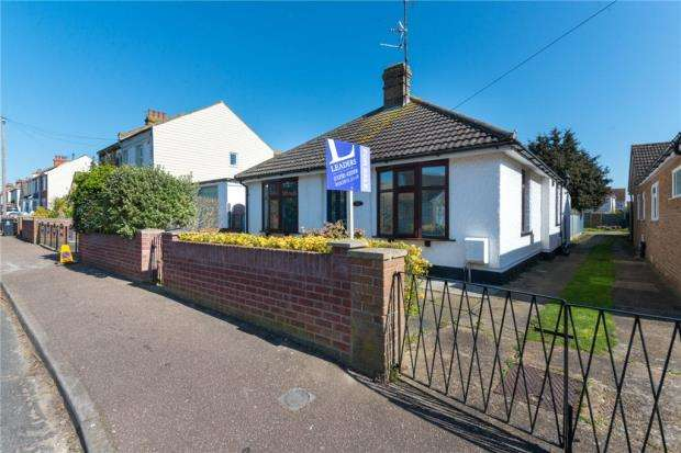 3 Bedrooms Detached Bungalow for sale in Branston Road, Clacton-on-Sea, Essex